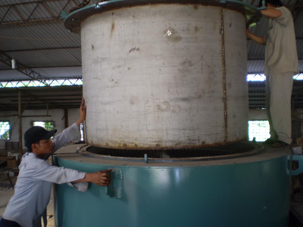 Lò giếng dây zic zắc, nồi lò bằng thép SUS 310 - Cty Thép Việt Quang Đà Nẵng
