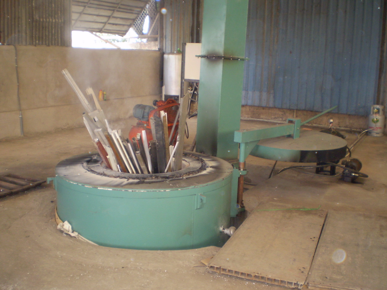 Lò nấu nhôm đốt dầu - Cơ sở Thanh Phương Bình Chánh